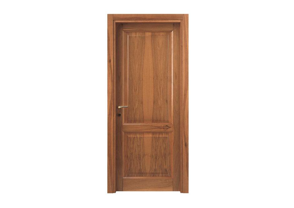 porta in legno di noce stile veneto puntoci