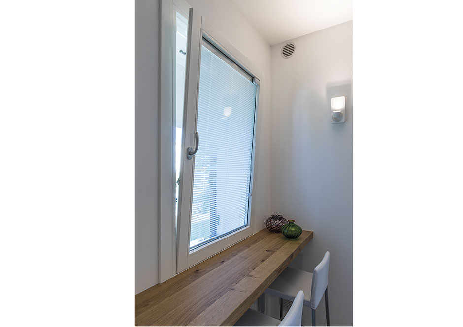 Vendita serramenti e porte puntoci installazione ed - Veneziana finestra ...